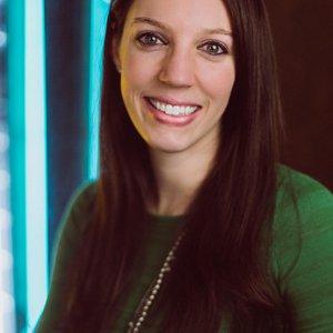 Laura-Roberts-headshot.jpg